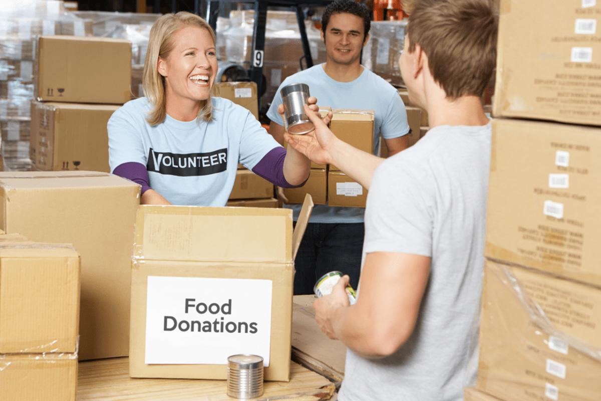 11 Ways to Volunteer Your Time and Help Change Lives